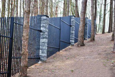 Забор из металла для виллы